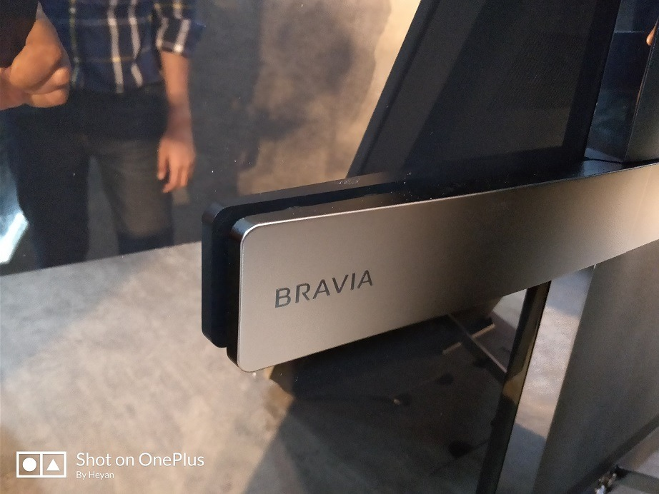 Acoustic sound display vibration Sony Bravia A1 series OLED TV thin bezels