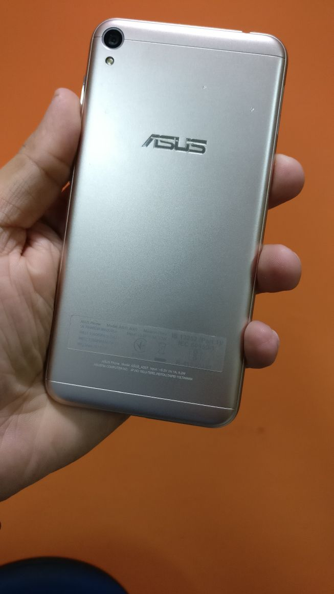 Asus Zenfone Live ZB501kl Review BAck