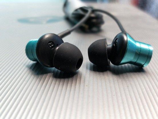 1MORE PISTON FIT Premium In-Ear Earphones Headphones with Mic -Silver