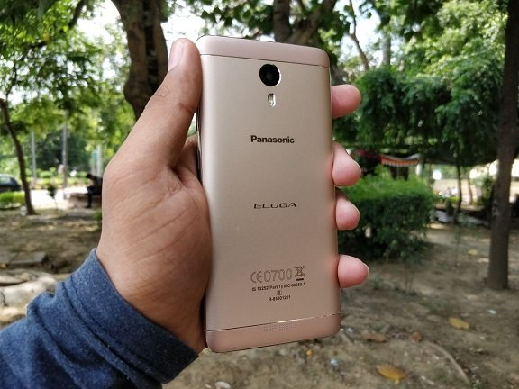 Back design of the panasonic eluga A3 pro review