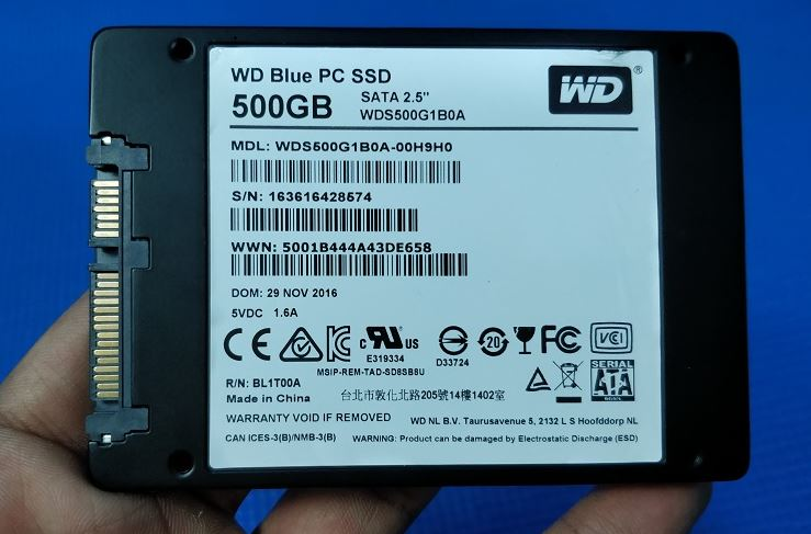 WD blue 500Gb SSD packaging