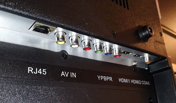 KODAK-55UHDXSMART-TV-connectivity-options-compressor
