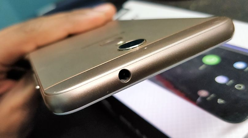 3.5mm headphone slot for panasonic eluga i9