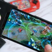 difference between ordinary mobile phones and gaming mobile phones 1
