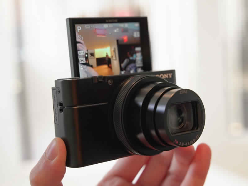 Cyber-shot RX100 VI camera flip screen