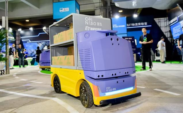 G Plus Robot at Alibaba's 2018 Global Smart Logistics Summit. Image source- Alibaba