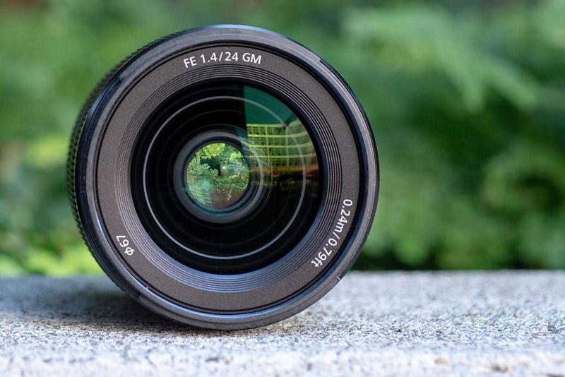 Sony 24mm F1.4 G Master lens 4