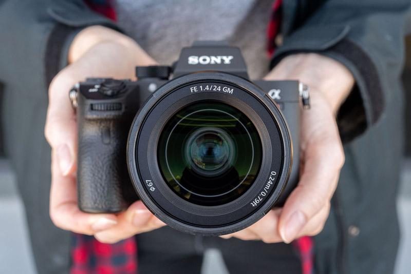 Sony 24mm F1.4 G Master lens 9