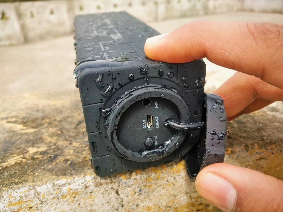 ZAAP Aqua Pro Speaker ports