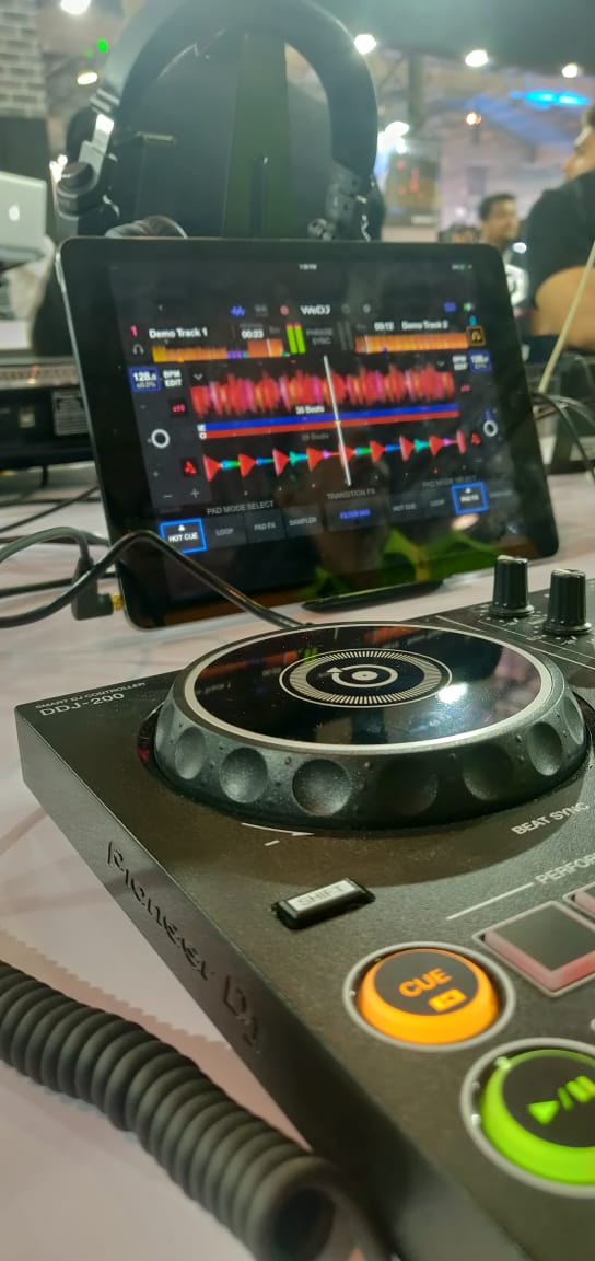 Pioneer DJ Product – DDJ 200 launched