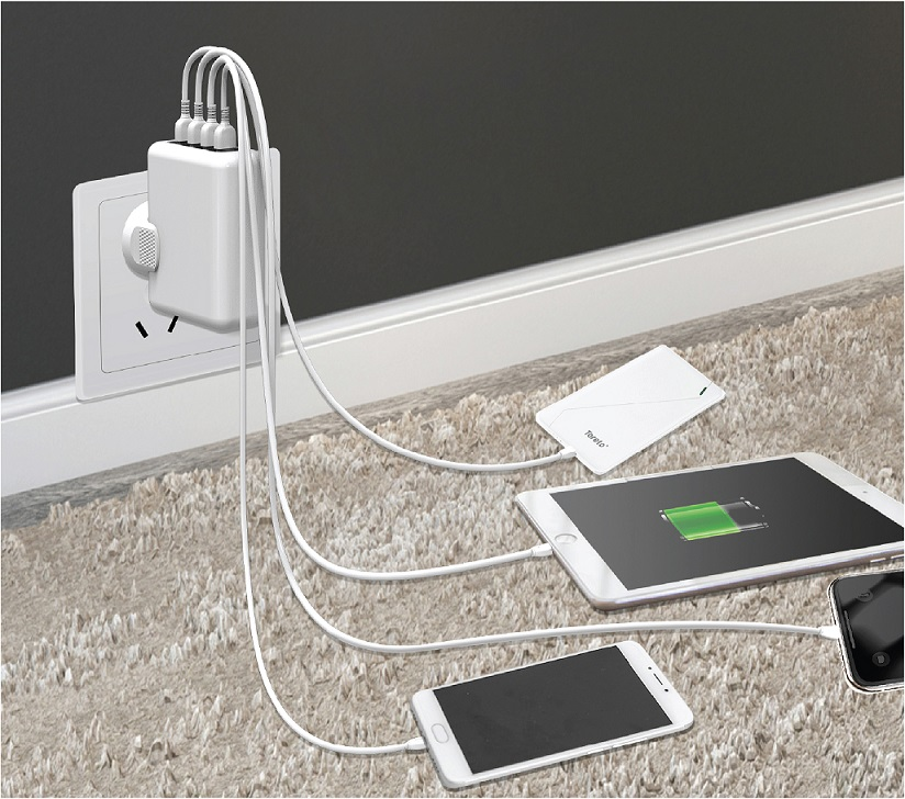Toreto Unveils Unicharge, 4 USB Port Universal Travel Charger