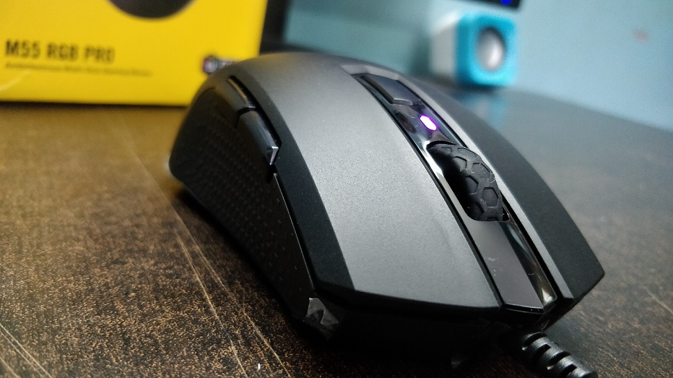 Corsair-M55-gaming-mouse-review