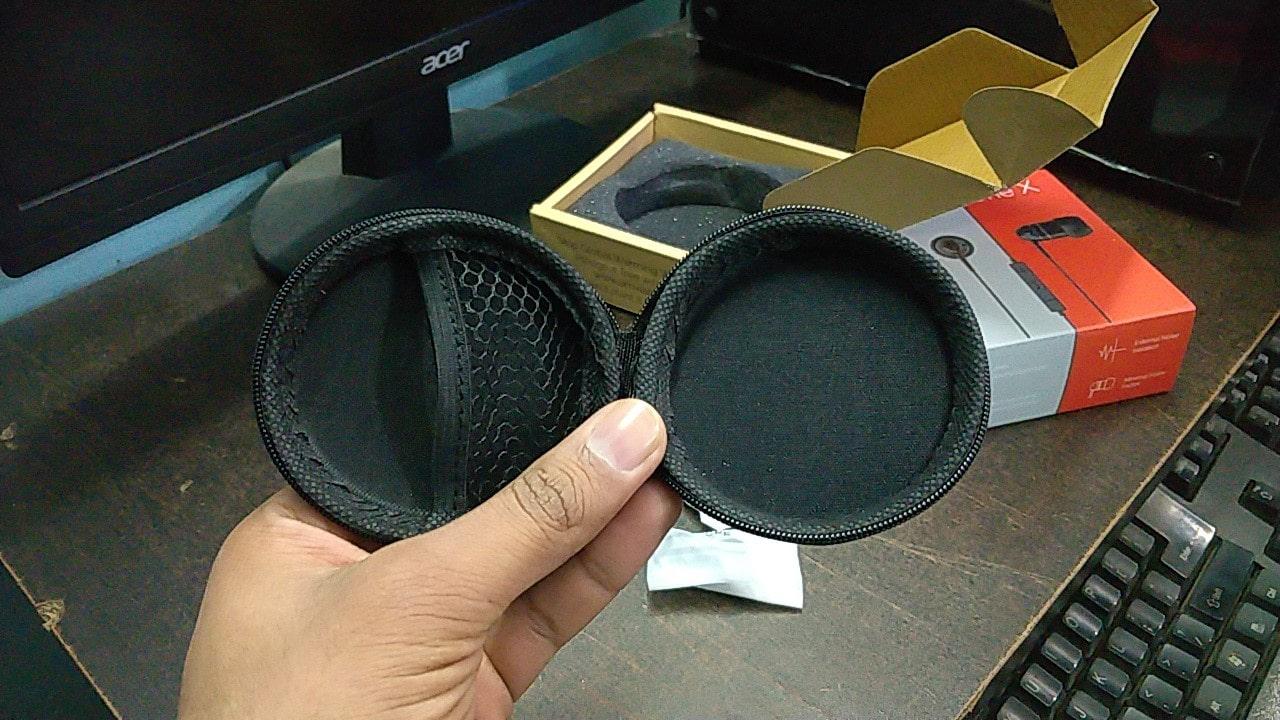 AMX One X earphone pouch-min