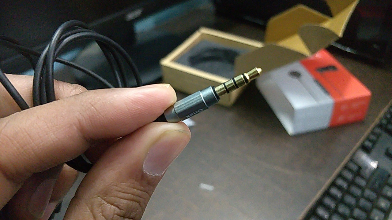 Gold plated 3.5 mm One X AMX jack-min