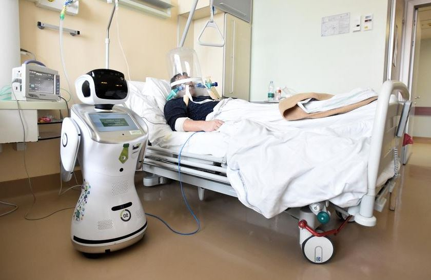 Robot helping Covid-19 patients