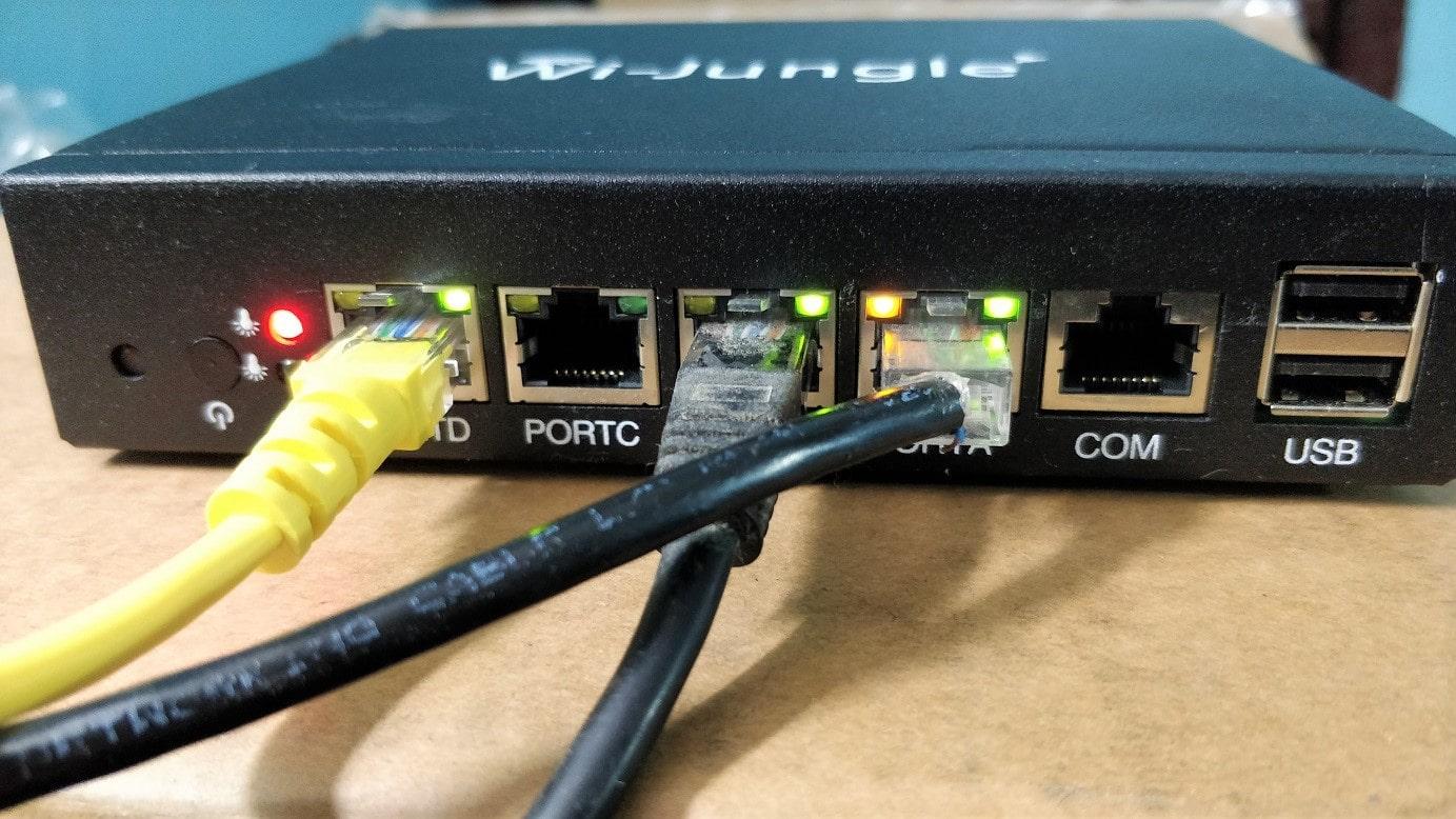 Wijungle U20 UTM Front LAN ports min